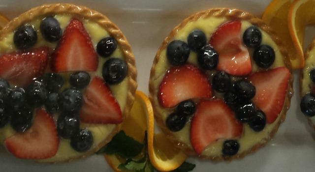 nook-fruit-tart-resize.jpg